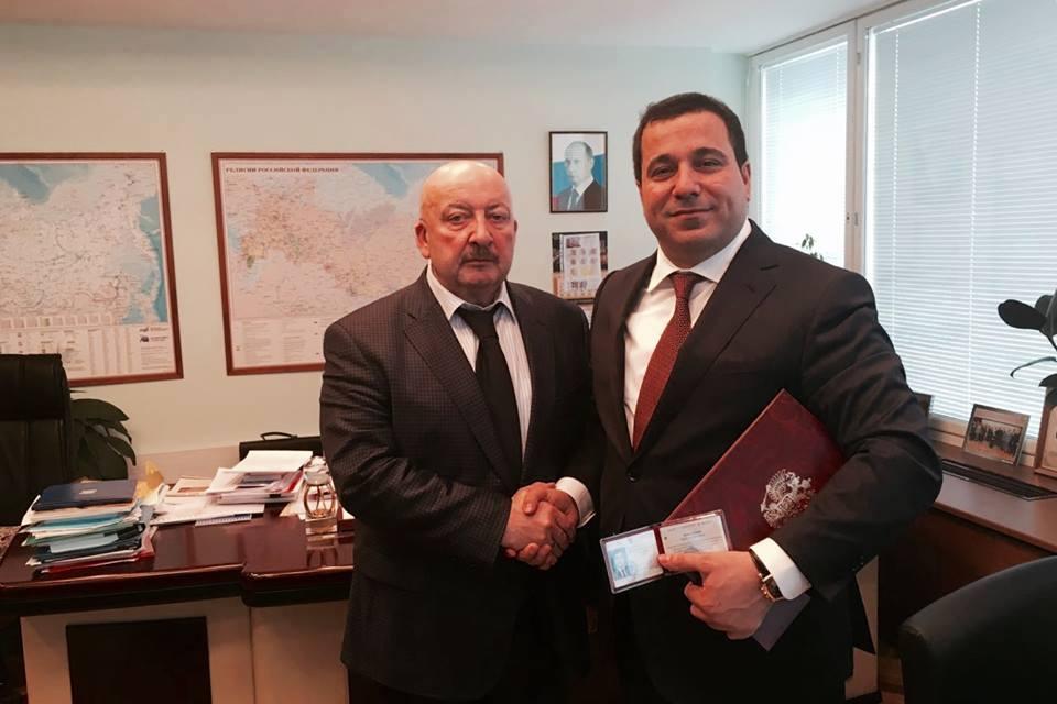 DUMA'da Azerbaycan Türkü danışman oldu