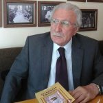 """Turqut Ərin məşhur kitabı """"Azadlıqdan Tiranlığa"""" yenidən çap olundu"""